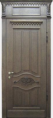 входная дверь с отделкой из дуба