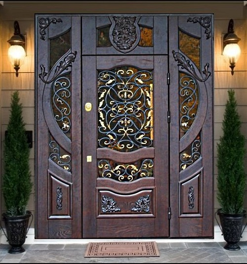 красивые двери металлические для загородного дома